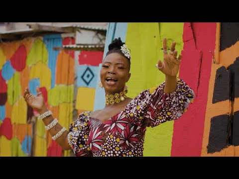 """Daily Discovery: Dobet Gnahoré – """"Lève-toi"""" (Official Music Video)"""
