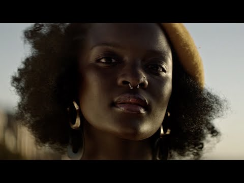 Daily Discovery: Urban Village – Dindi (Official video)