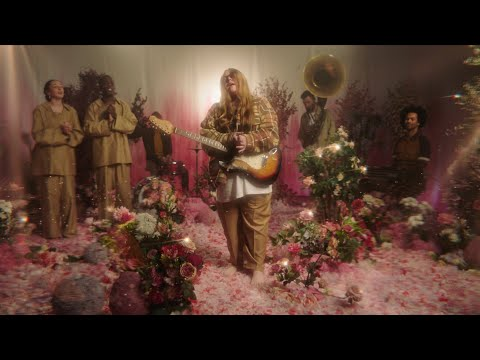 Daily Discovery: Emma-Jean Thackray – Say Something (Official Video)