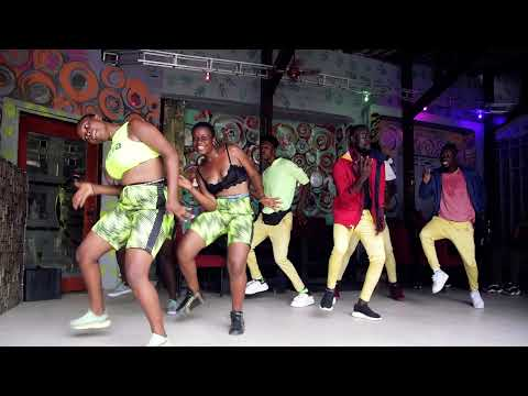 Daily Discovery: KASAI ALLSTARS – Musungu Elongo Paints His Face White to Scare Small Children (Official Music Video)